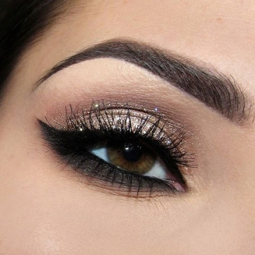 Perfect smokey eyes for woman that want their eyes to look youthful, alluring and sexy!